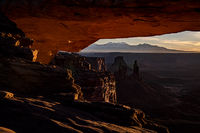 southwest, utah, moab, canyonlands, national parks, sunrise, sunset, mesa arch, red rock, sandstone, mountains, west, islands in the sky, winter