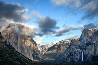 Tunnel View Moonrise