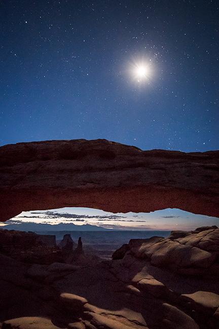 utah, ut, canyonlands national park, mesa arch, sunrise, canyons, southwest, colorado plateau, dawn, moon, stars, atmospherics, red rock, moab, sandstone, islands in the sky, photo