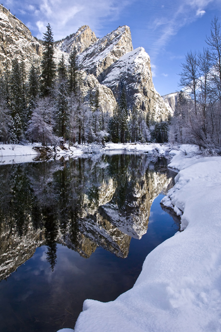 reflections, three, sisters, 3, yosemite, ca, california, sierra, mountains, water, merced river, merced, trees, winter, snow, atmospherics, landscape, photo