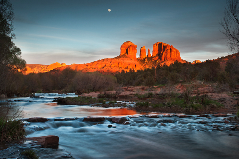 red rock crossing, cathedral rock, oak creek, sunset, sedona, az, arizona, southwest, water, reflections, red rock, moon, moonrise, photo