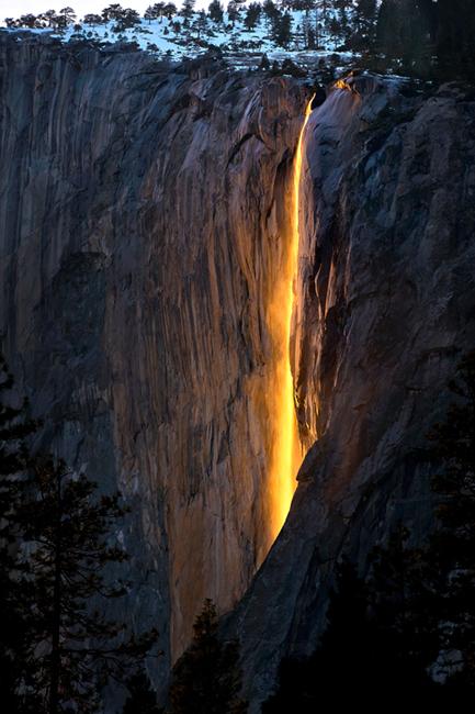 yosemite falls,horsetail falls, photo