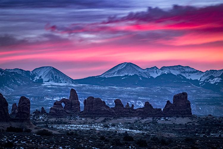utah, ut, arches national park, canyons, southwest, colorado plateau,  atmospherics, red rock, moab, sandstone, lunar, la sal mountains, la sal, sunrise, predawn, dawn, mountains, photo