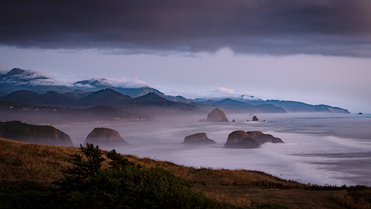 oregon, or, oregon coast, cannon beach, cola state park, pacific ocean, water, pacific, rocks, sea stacks, haystack, rock, fog, sunset, low light, photo
