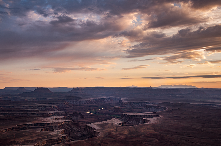 utah, ut, canyonlands national park, sunset, clearing storm, clouds, canyons, southwest, colorado plateau, atmospherics, red rock, moab, sandstone, islands in the sky, green river, photo