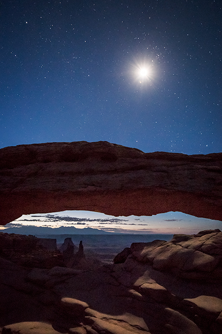 utah, ut, canyonlands national park, mesa arch, sunrise, canyons, southwest, colorado plateau, dawn, moon, stars, atmospherics, red rock, moab, sandstone, islands in the sky, photo