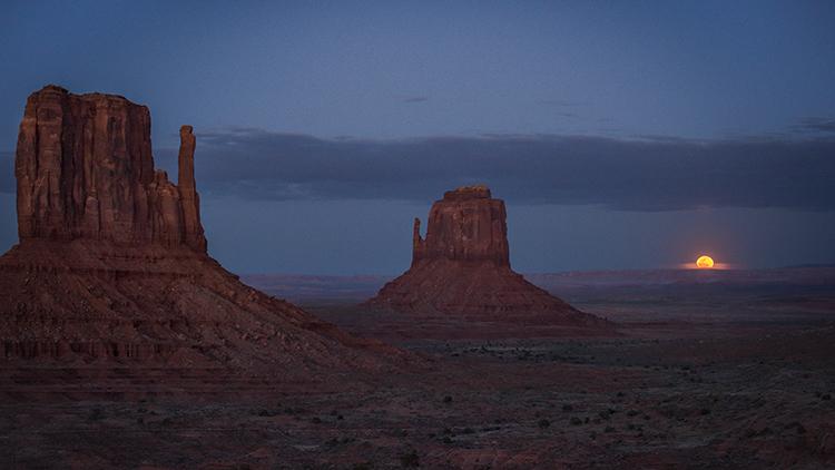 monument valley, arizona, az, utah, ut, mittens, monuments, southwest, indian country, navajo nation, sunset, twilight, moon, moonrise, photo