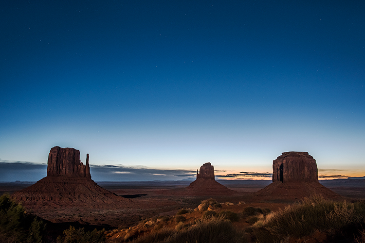 monument valley, arizona, az, utah, ut, mittens, monuments, southwest, indian country, navajo nation, sunrise, stars, dawn, photo