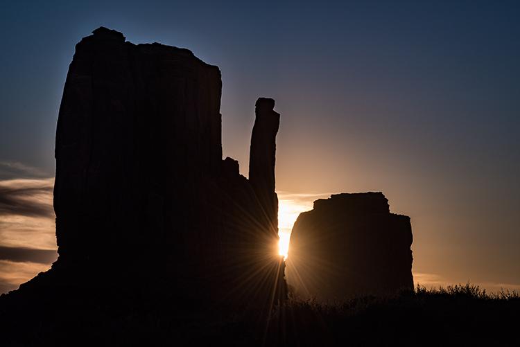 monument valley, arizona, az, utah, ut, mittens, monuments, southwest, indian country, navajo nation, sunrise, photo