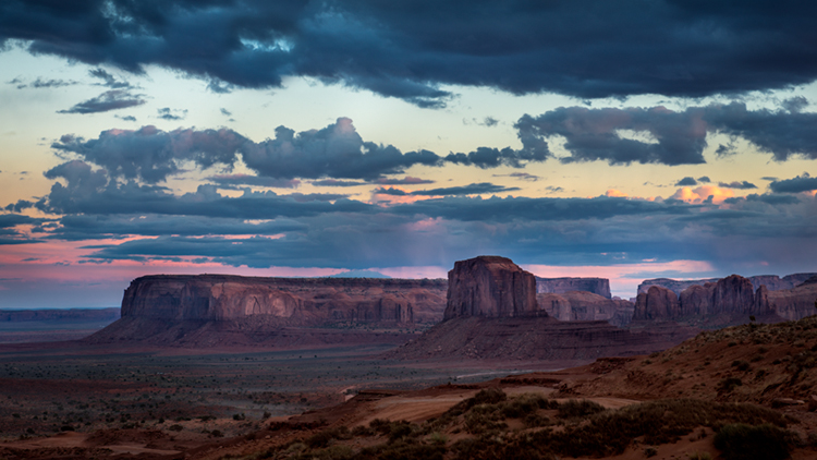 monument valley, southwest, sunrise, AZ, UT, arizona, utah, indian land, mountains, desert, clouds, photo