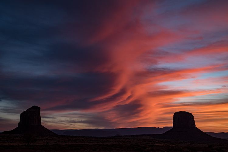 monument valley, red rock, indian land, navajo, sandstone, sunset, spring, clouds, alpenglow, az, arizona, mittens, shadow, ut, utah, southwest, photo