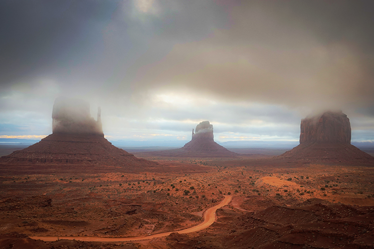 monument valley, red rock, indian land, navajo, sandstone, sunset, fall, clouds, alpenglow, az, arizona, mittens, shadow, ut...