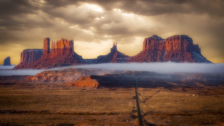 monument valley, red rock, indian land, navajo, sandstone, sunset, spring, clouds, alpenglow, az, arizona, mittens, shadow, ut, utah, southwest, fog, photo