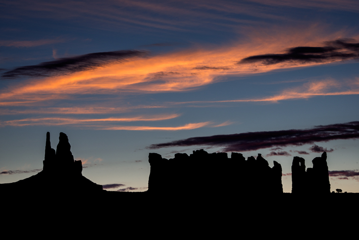 monument valley, southwest, sunrise, AZ, UT, arizona, utah, indian land, mountains, desert, clouds, photo
