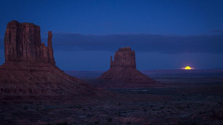 monument valley, arizona, az, utah, ut, mittens, monuments, southwest, indian country, navajo nation, sunset, twilight, moon...