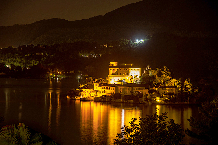 europe, italy, piedmont, lakes, lake region, orta, lago de orta, ciete d'orta, night, monastero, monastary, mountains, alps, italian, photo