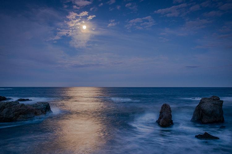 big sur, garrapata, state park, ca, california, pacific, ocean, water, beach, sunrise, sunset, surf, rocks, rock, soberanes, moon, moon set, moonset, photo